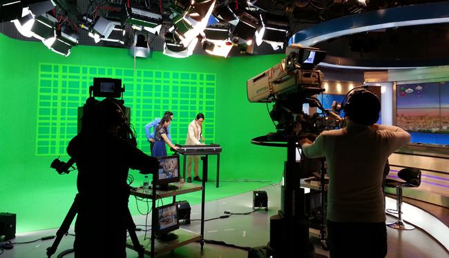 Họa sỹ Phan Anh Vũ tại trường quay VTV1